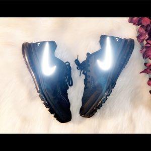 NIKE Men's Airmax Sneaker